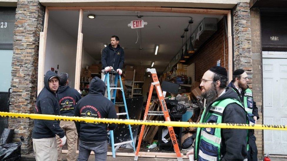 Supermercado kosher atacado por personas armadas en Jersey City.