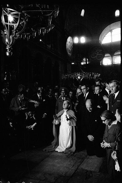1967'de İstanbul'u ziyaret eden Papa 6. Paul, Ayasofya'da dua etti