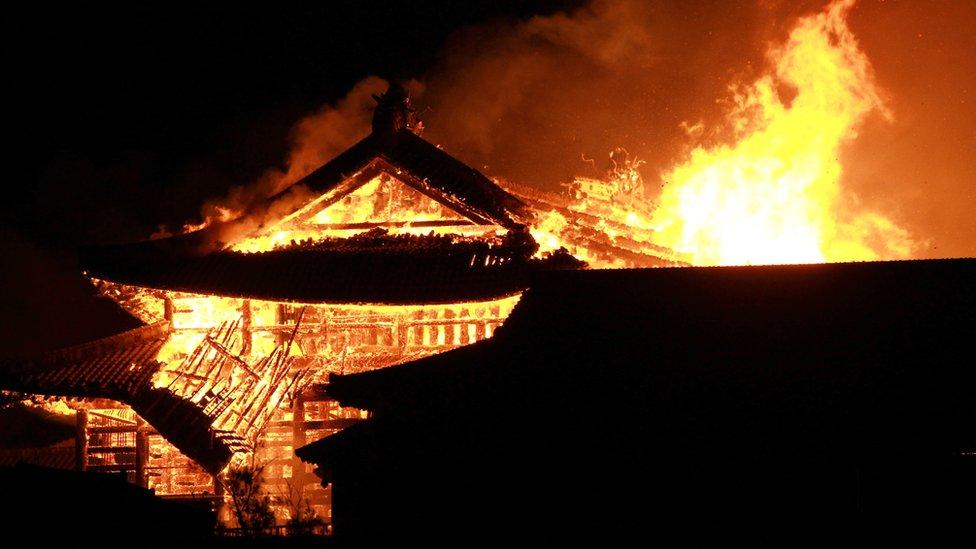 В Японії згорів замок XIV століття зі списку спадщини ЮНЕСКО