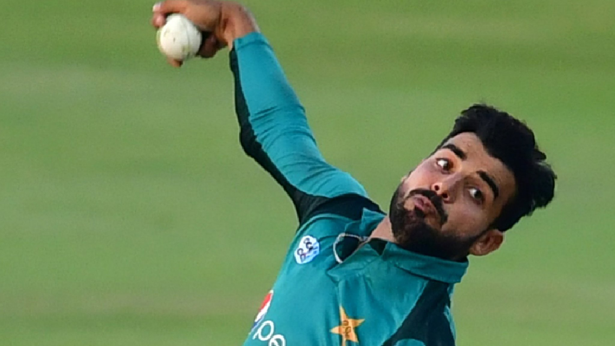 Pakistan spinner Shadab to miss England one-day series