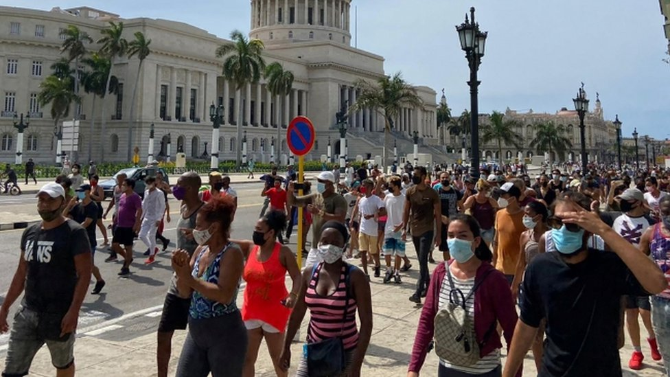 Crowd in the centre of Havana, 11 July 2021