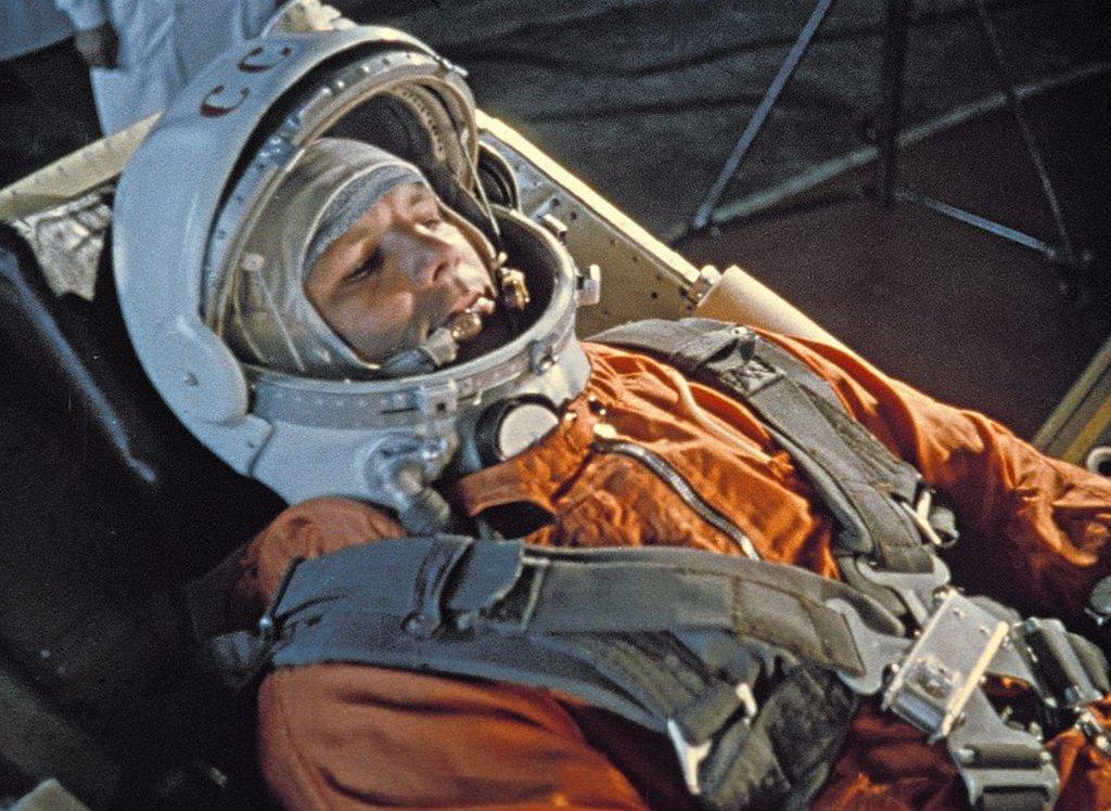 Yuri Gagarin, 1961, minutos antes del lanzamiento