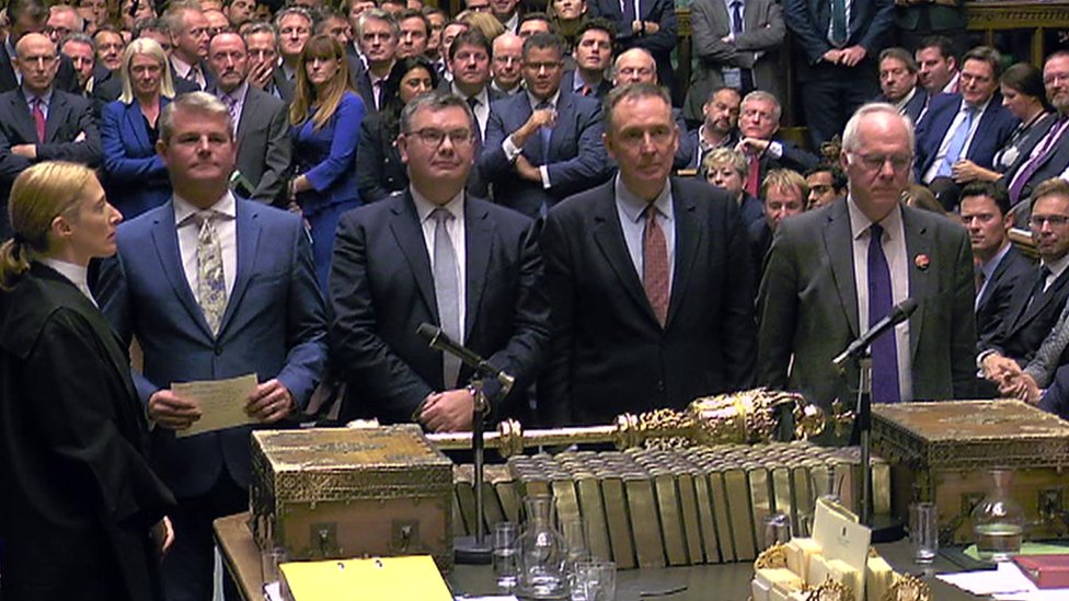 الإعلان عن نتيجة التصويت بشأن الجدول الزمني في البرلمان