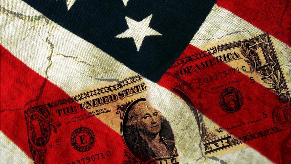 Dibujo dólar y bandera de EE. UU.