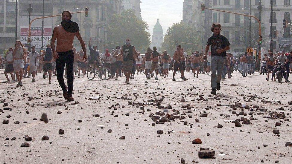 Disturbio en Argentina por la crisis de 2001