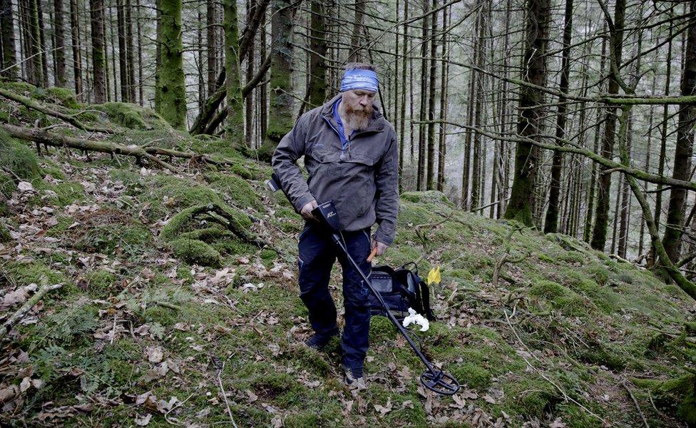 Arne Magnus Vabo with his metal detector