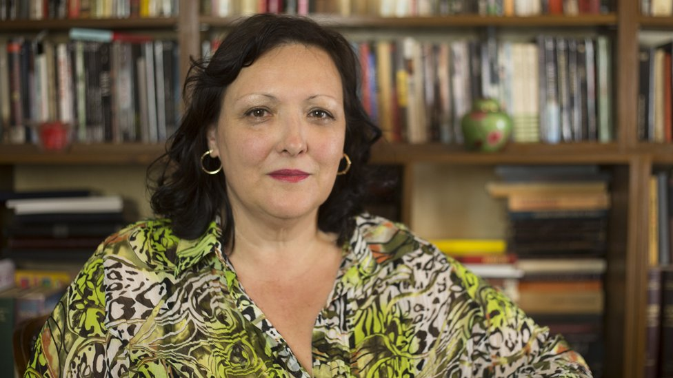 Jelena Lengold: Umetnik mora da se izdigne iznad politike