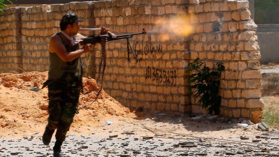 Libya'da Ulusal Mutabakat Hükümeti'ne bağlı bir savaşçı