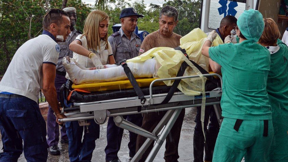 Una de las sobrevivientes es transferida al hospital Calixto García de La Habana.