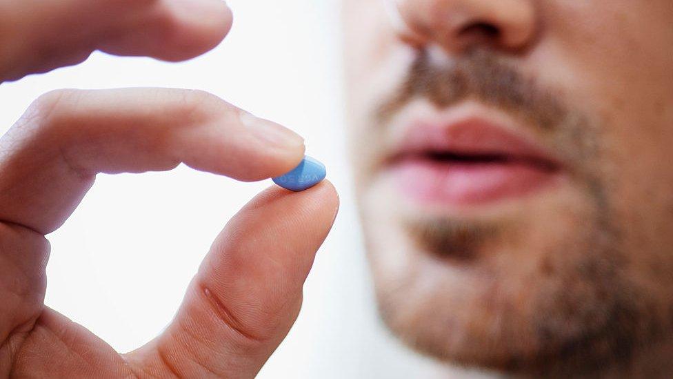 La famosa pastillita azul es también un lujo.