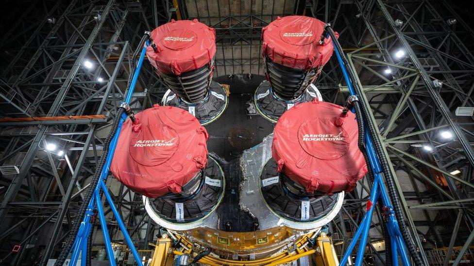 Полеты на Луну: первые фото суперракеты НАСА