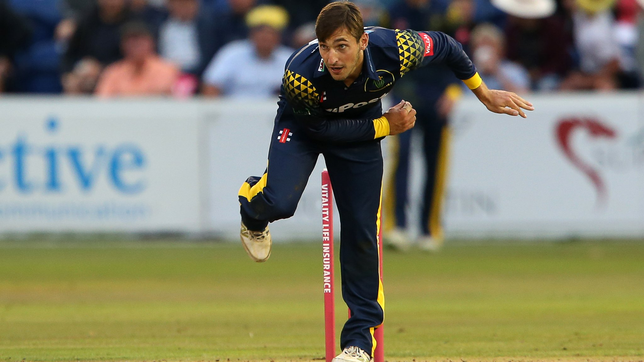 Glamorgan Cricket: Spinner Andrew Salter signs deal extension