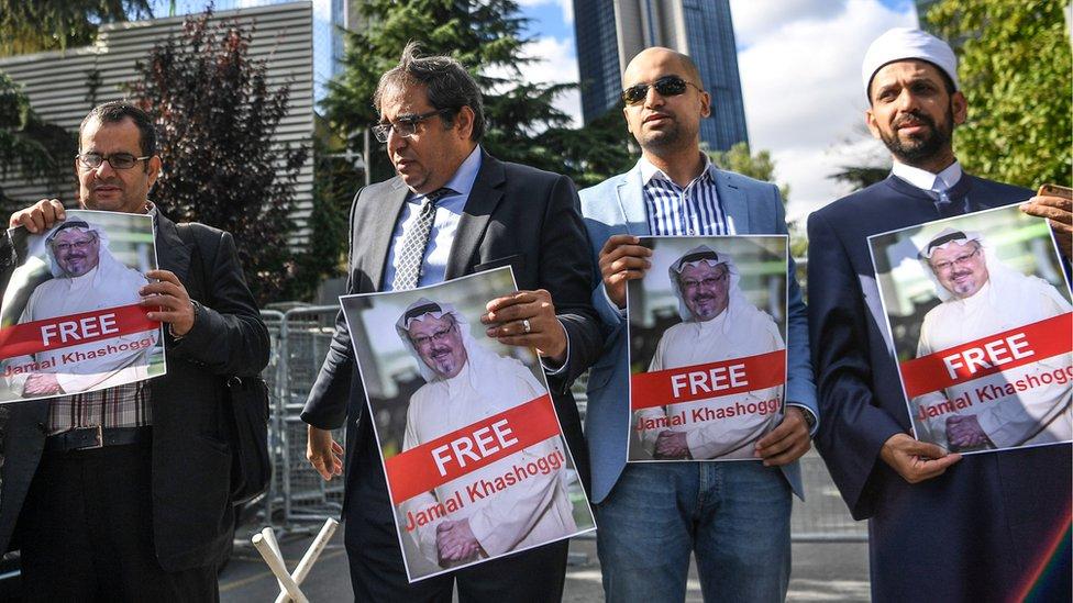 İstanbul'daki Suudi Arabistan Başkonsolosluğu'nda Kaşıkçı'nın özgürlüğü için eylem yapıldı