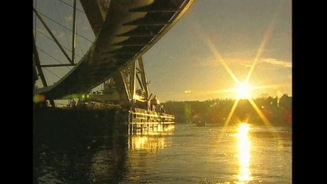 Millennium Bridge in transit