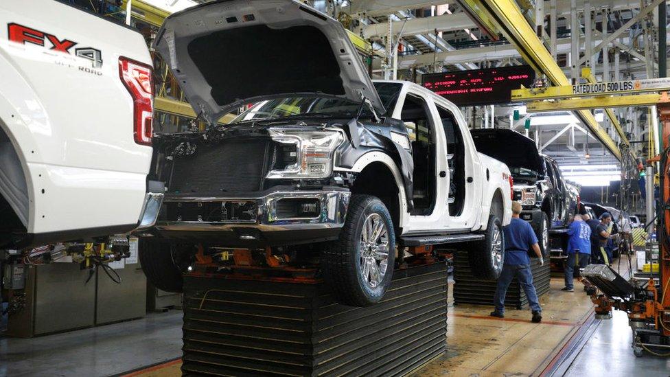Fábrica de automóviles en Estados Unidos.