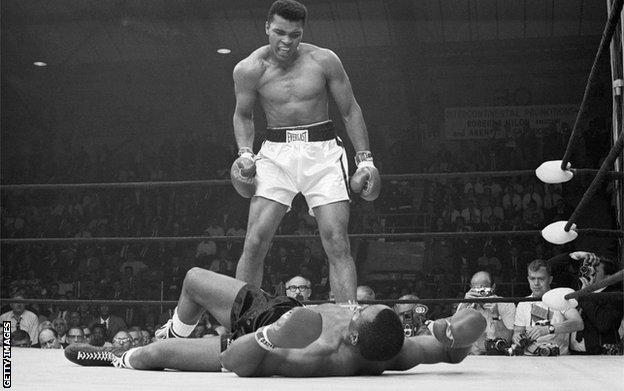 Liston i Ali u borbi