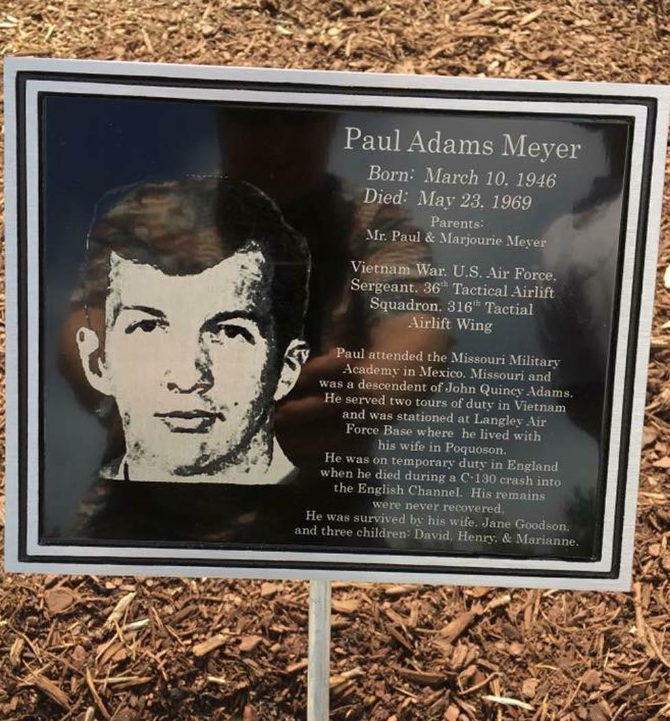 Paul Mayer tumba
