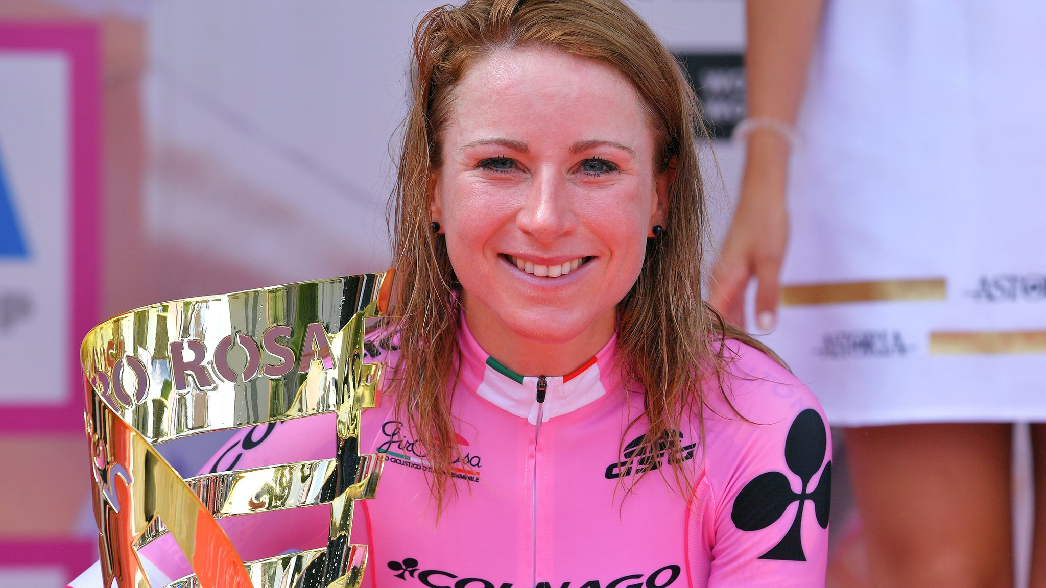 Giro Rosa 2018: Annemiek van Vleuten secures title with third stage win