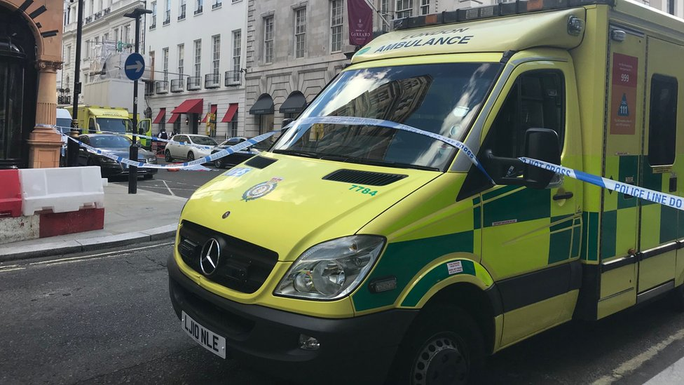 Police 'feared poison' in Mayfair street death