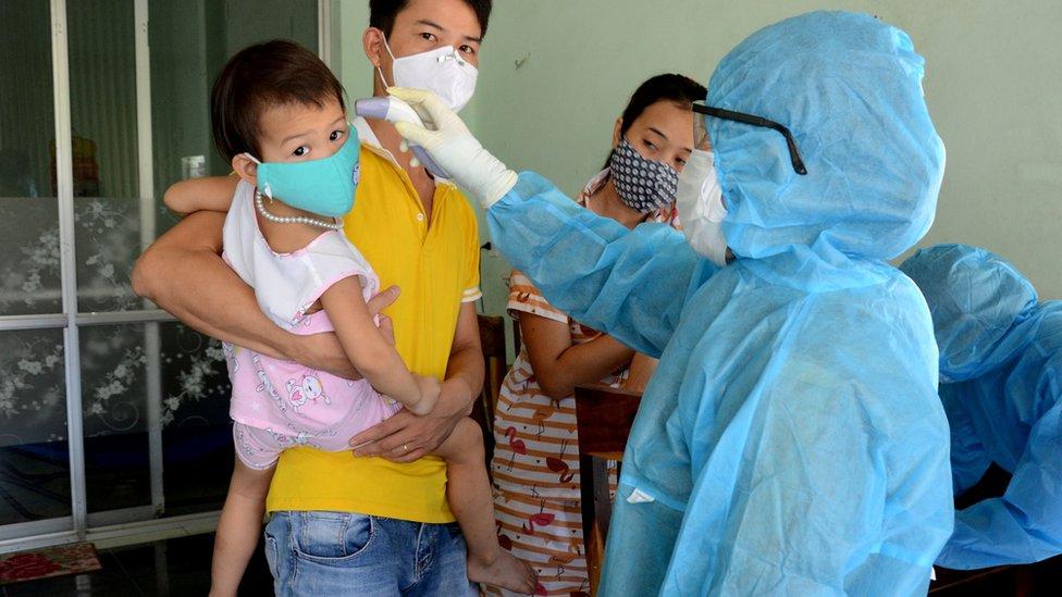 Pemeriksaan kesehatan di Da Nang, Vietnam