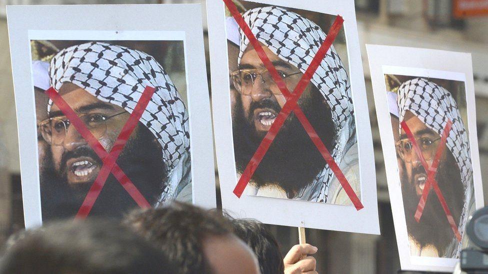 कौन हैं मसूद अज़हर के भाई जिन्हें पाक ने हिरासत में लिया