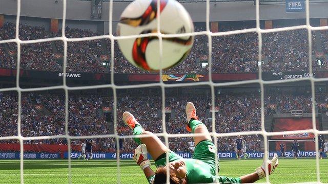 Incredible 50-yard goal for USA's Carli Lloyd