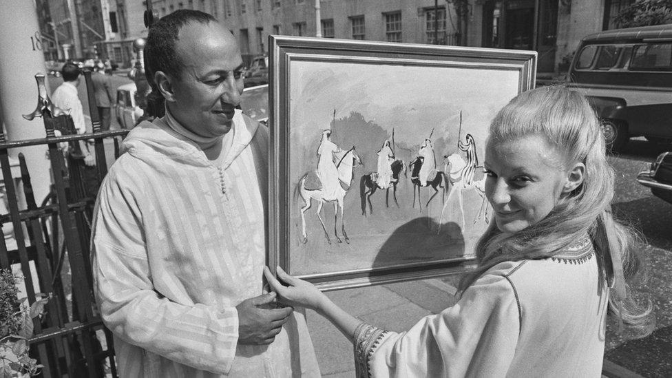 الرسام المغربي حسن الكلاوي وزوجته في عام 1967