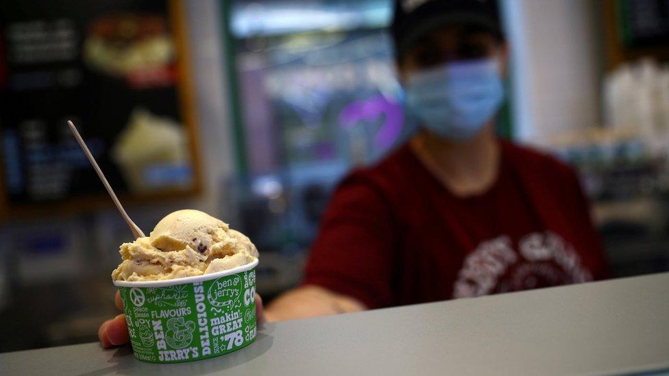 Tienda de helados Ben & Jerry, Unilever.