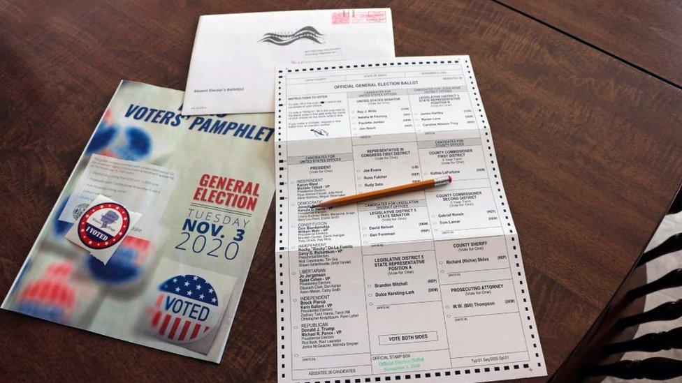 Boleta de voto ausente.