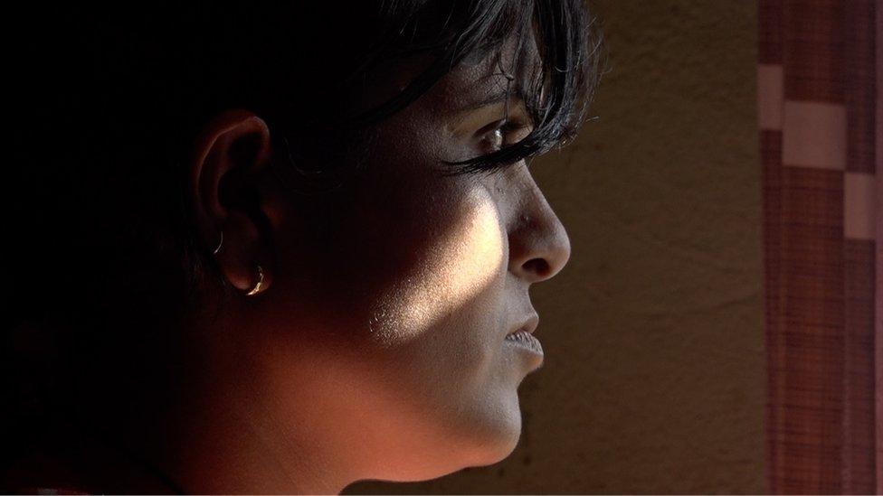 تقول هينا إن التعليم يمكنه أن يساعد النساء في التوقف عن مهنة الدعارة