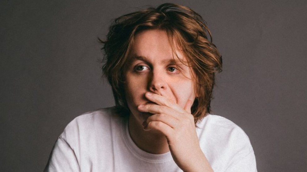 Lewis Capaldi wants to help anxious fans at his shows