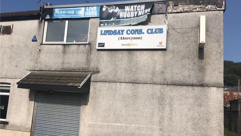 Lindsay Cons Club