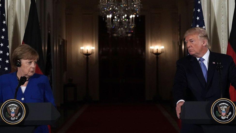 Američki predsednik Donald Tramp sa Angelom Merkel na konferenciji u Beloj kući