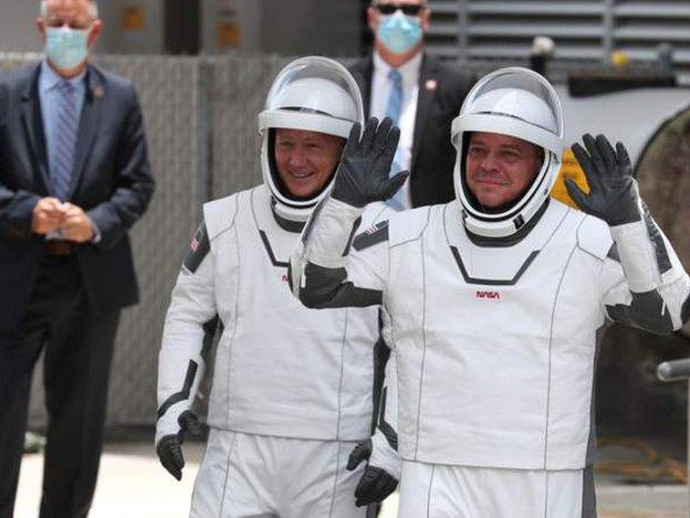 Los astronautas Doug Hurley y Bob Behnken