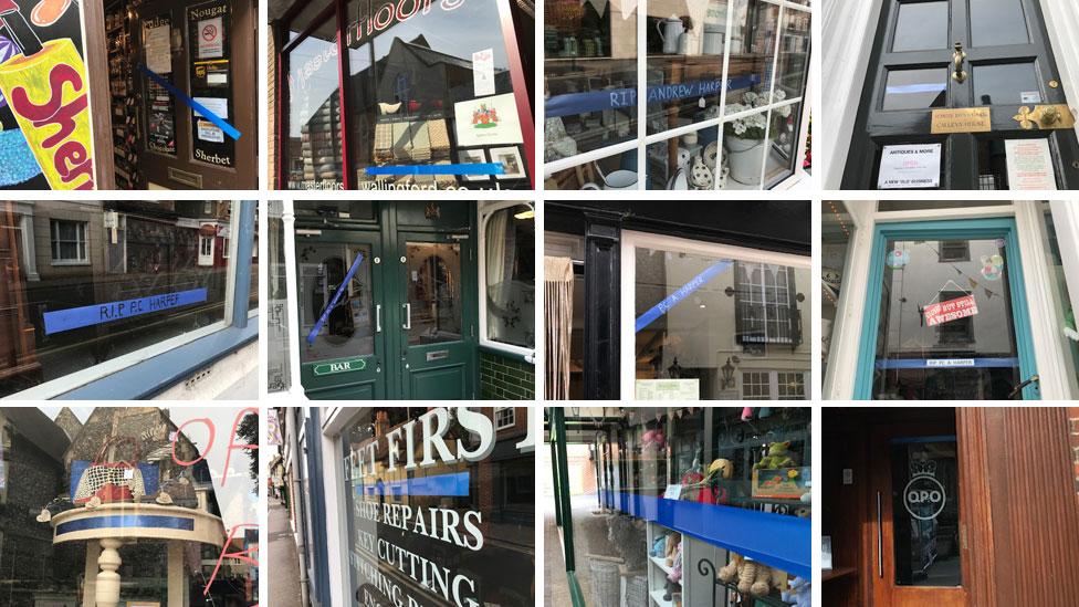 Blue ribbons in Wallingford