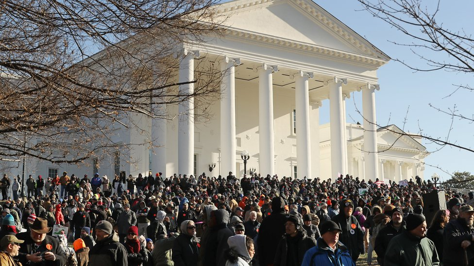 Multitude en la Plaza del capitolio