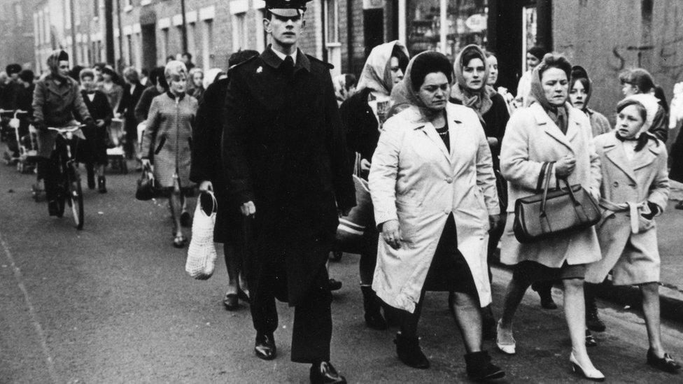 Lillian Bilocca at the head of a march