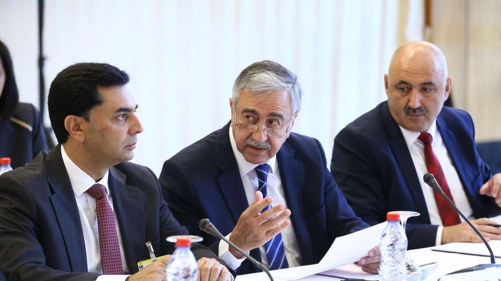 Kuzey Kıbrıs lideri Mustafa Akıncı, Crans Montana'daki konferansta.