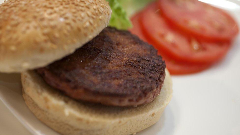 La primera hamburguesa del mundo cultivada en el laboratorio