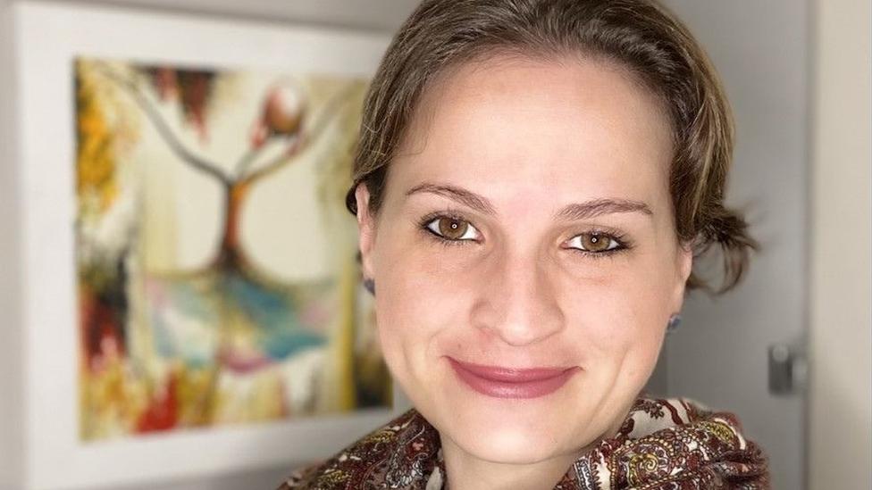 A pediatra infectologista Julia Spinardi, líder médica de vacinas da Pfizer Brasil