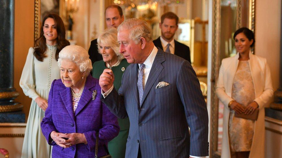"""قال الأمير هاري إن لديه """"علاقة """"جيدة حقا"""" مع جدته (الملكة)"""