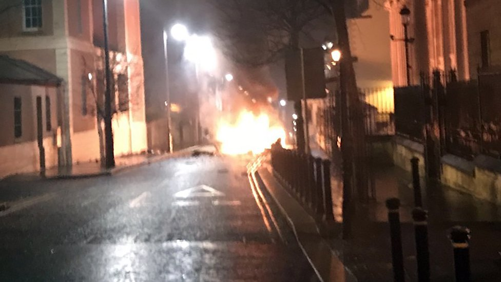 Londonderry: Police investigate suspected car bomb