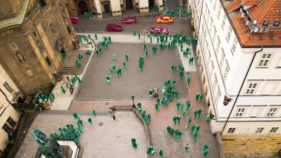 Esta tecnología permite rastrear los movimientos de los individuos cuando deambulen por la ciudad.