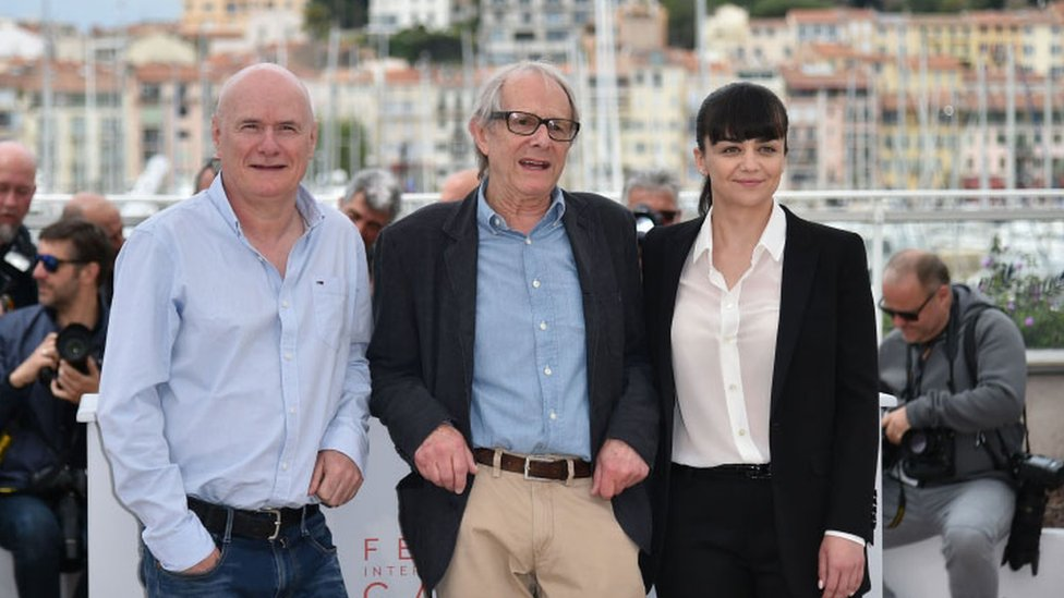Ken Loach (centre) with actor Dave Johns (left) and actress Hayley Squires