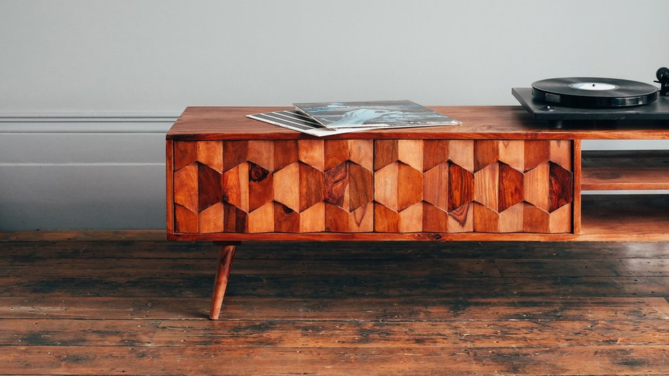 Swoon sideboard