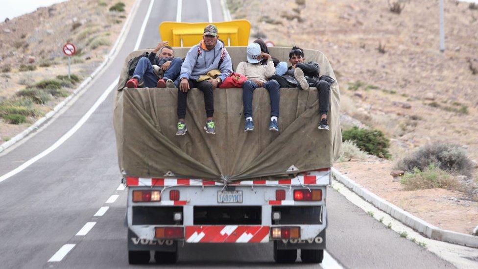 Extranjeros ingresan a Chile