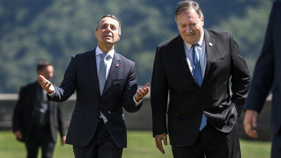 بومبيو وزير خارجية أمريكا واغنازيو كاسيس وزير خارجية سويسرا