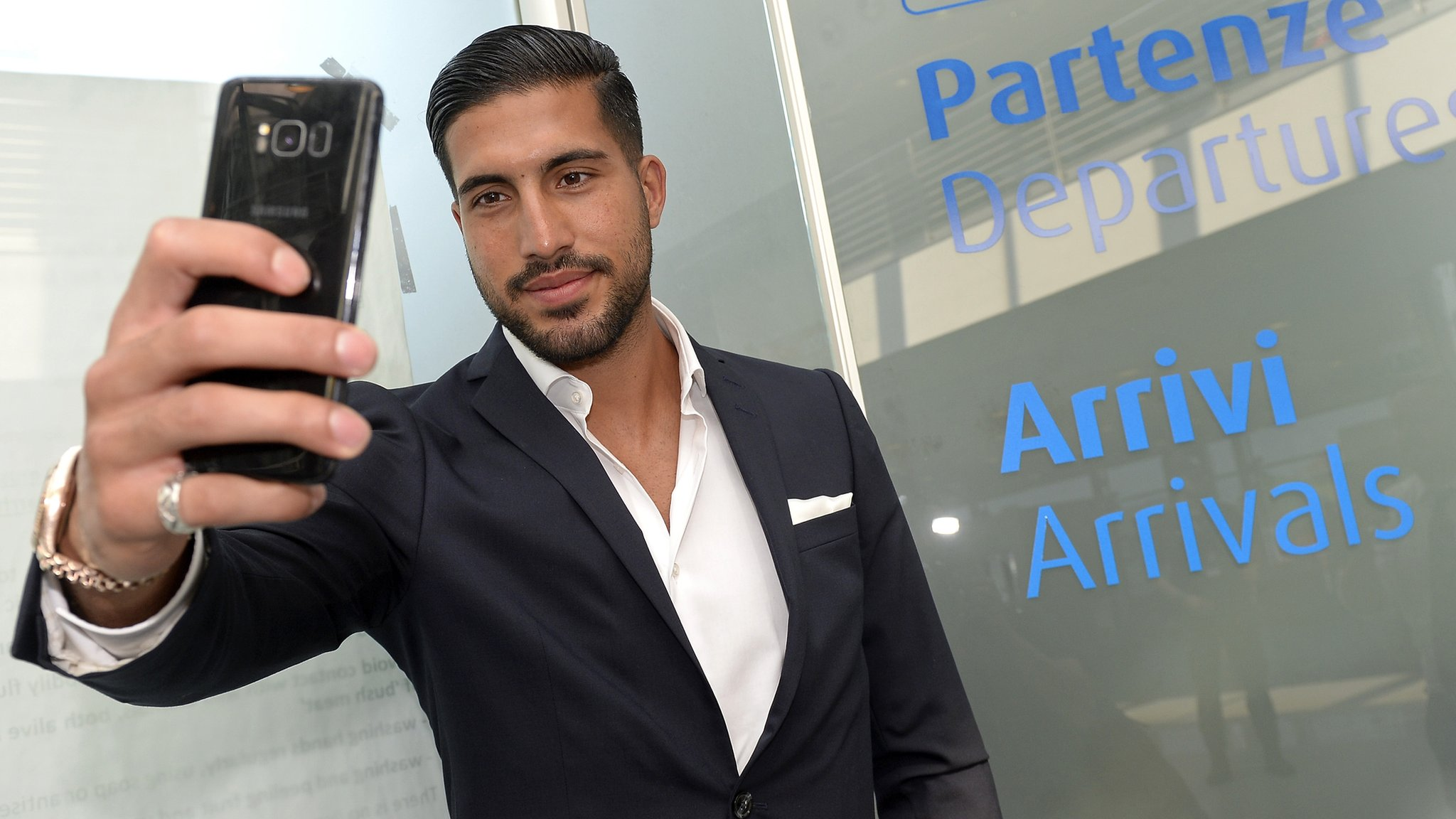 Emre Can: Juventus confirm signing of midfielder from Liverpool