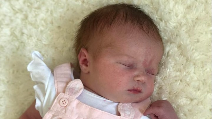 Grangemouth woman delivers her own 'surprise' baby