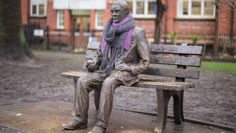 Statua Alana Tjuringa